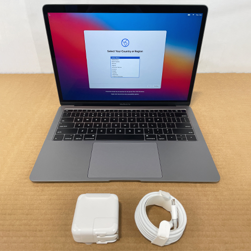 Open Box - MacBook Air 13in 1.6GHz Dual-Core i5 16GB/1.5TB Space Gray CTO (2018) at Small Dog Electronics